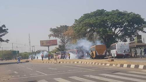 BREAKING: Police Fire Gunshots At Protesting Shiite Members In Abuja
