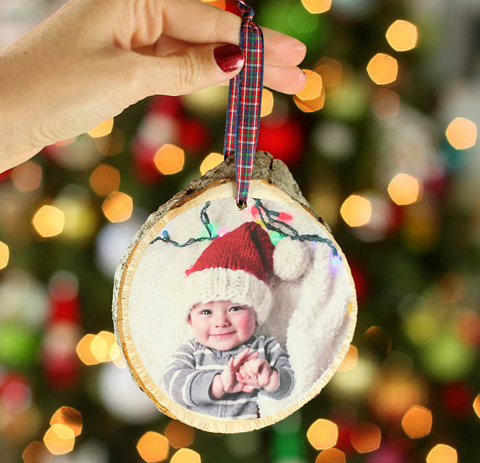 Foolproof way to make wood slice photo ornaments gina - Ornament tapete weiay ...