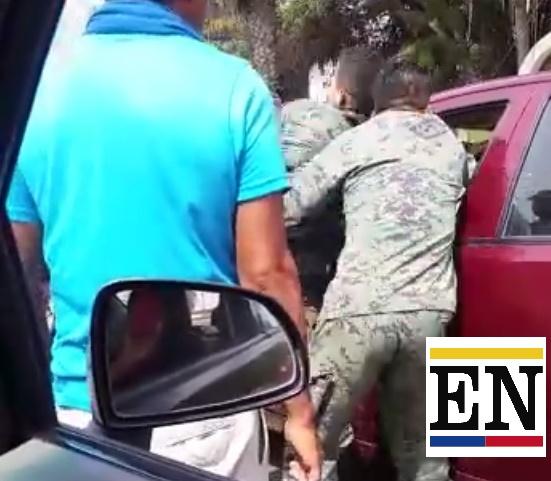 militares ageden ciudadano la libertad