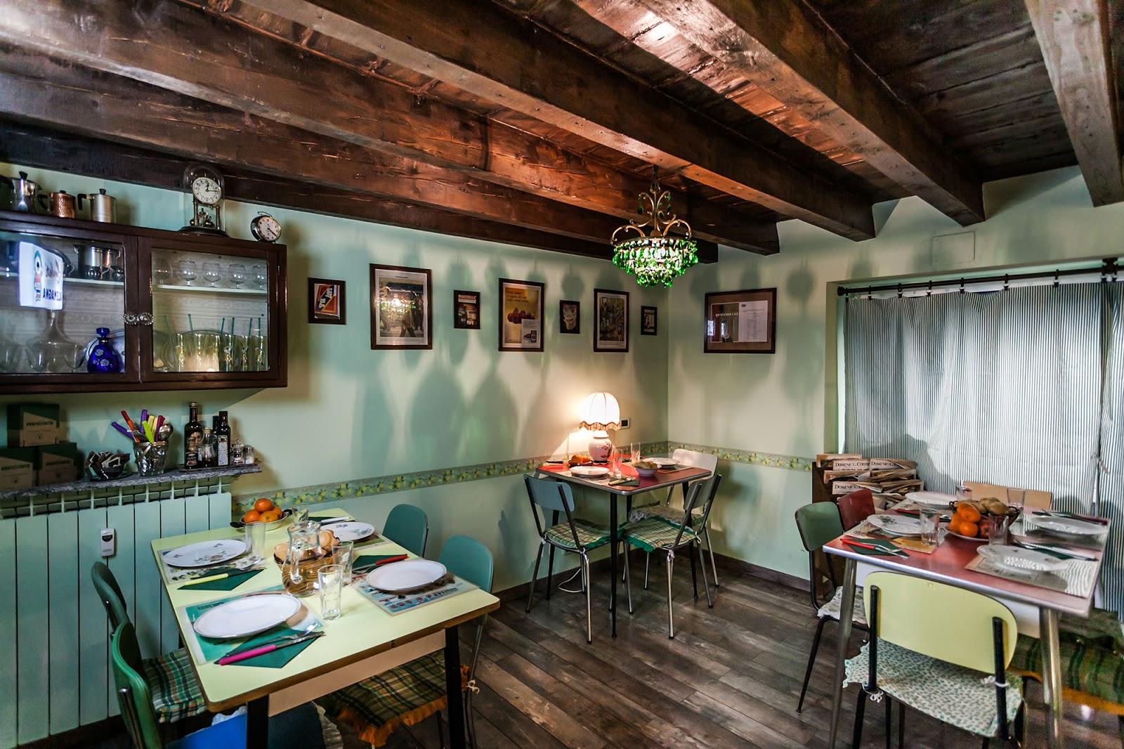Milano aperitivo con vista e cena anni 60  Viaggiolibera
