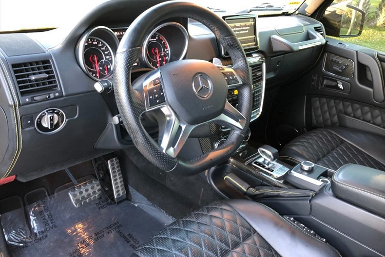 Mercedes-Benz G63 hơn 47 tỷ Việt Nam độ ống xả 340 triệu đồng