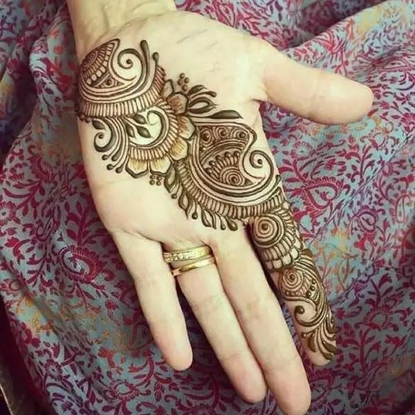 Popular_Arabian_henna_design_for_pakistaani