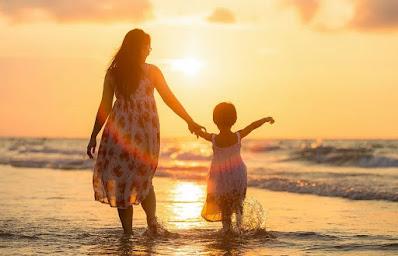 Puisi Pendek untuk Ibu : Sungguh Menyentuh Hati