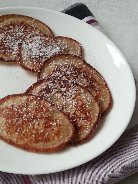 Szybkie placuszki z mąki owsianej z bananem