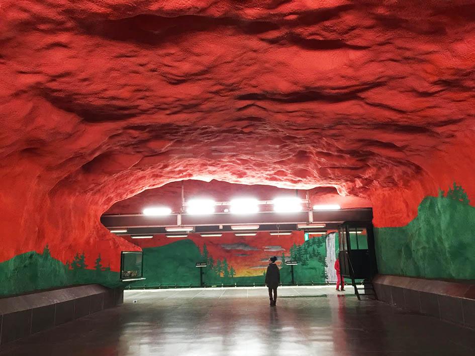 A stoccolma la metropolitana più bella d'europa