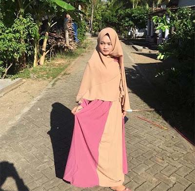Safira Inema Pakai Gamis Hijab