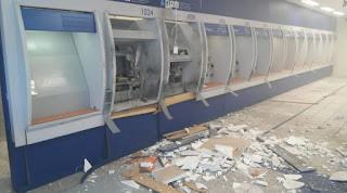 Quadrilha explode caixas eletrônicos de agência bancária em João Pessoa