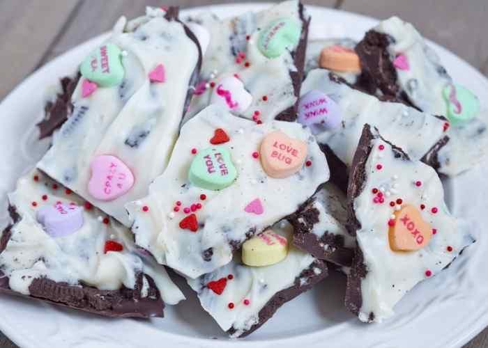 Easy Oreo Bark Recipe For Valentine's Day