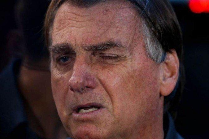 """Bolsonaro sobre prisão de aliados: """"A gente não pode aceitar passivamente"""""""