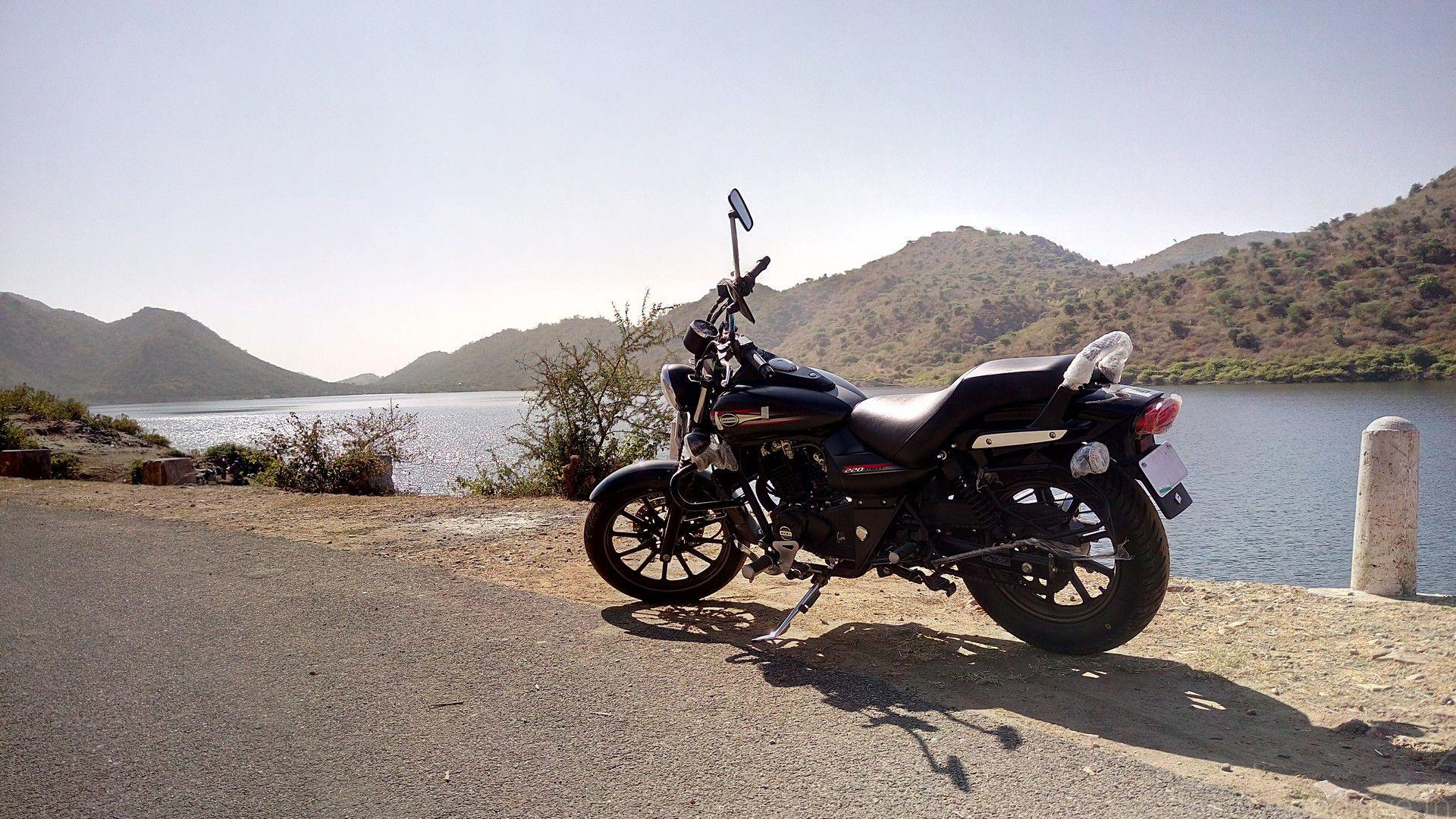 Bajaj Avenger Street 160 Price, Mileage, Specifications, Colors, Top Speed and Service Schedule