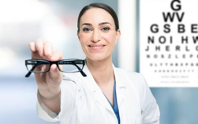 how optometrist helps eye health great vision