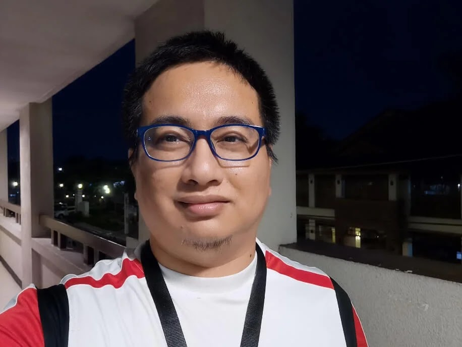 Huawei P40 Pro Camera Sample - Night Selfie, Normal