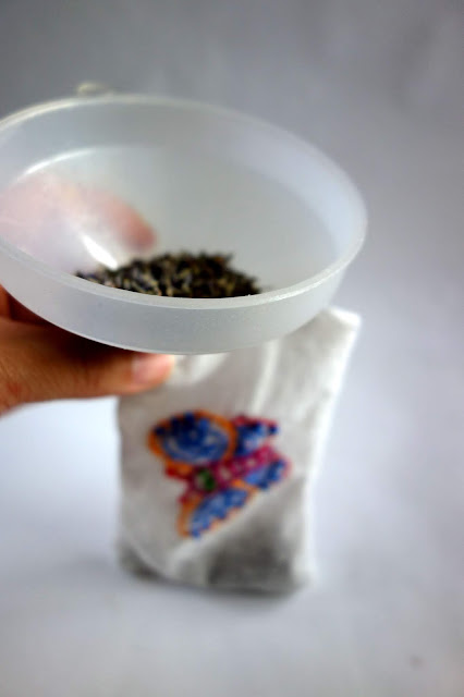 funnel, dried lavender, lavender buds, uses for dried lavender
