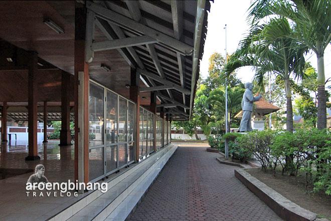 gedung nasional indonesia surabaya
