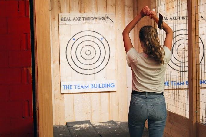 Actief uitje: bijlwerpen bij The Team Building in Utrecht