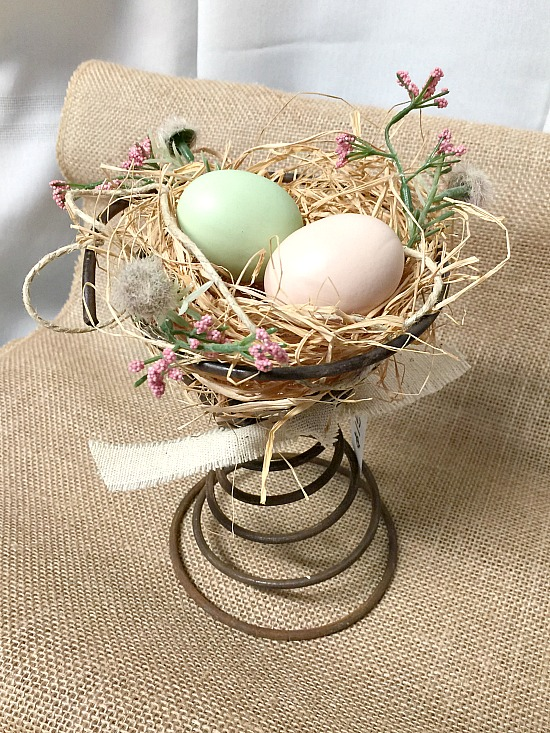 Beautiful Vintage Bed Spring Centerpieces
