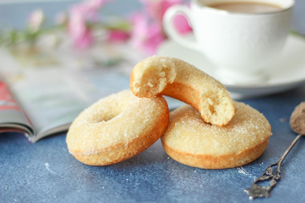 Vanilla Cardamom Baked Doughnuts