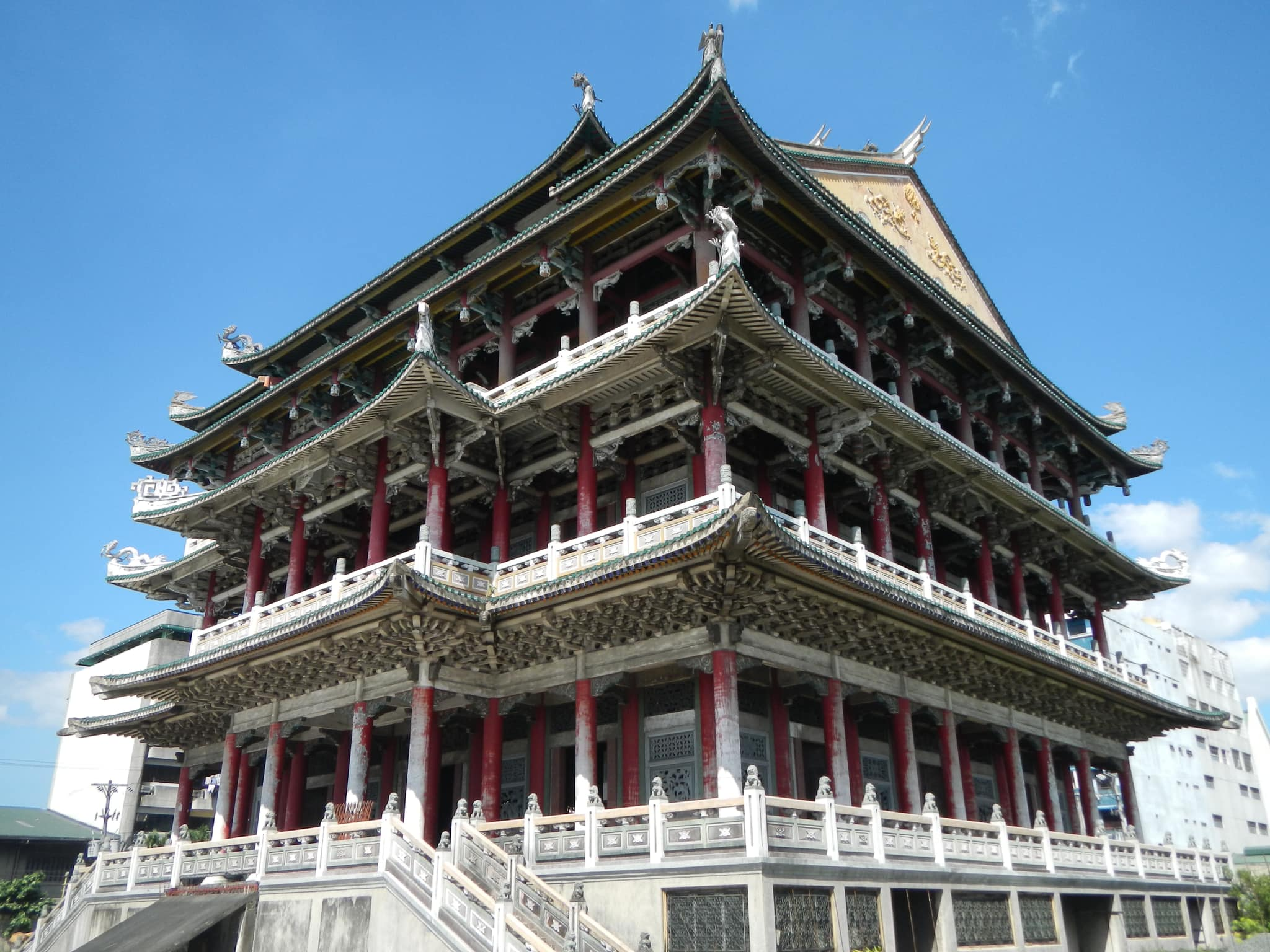 Thai To Taoist Temple servicing a sizable Chinese population in Caloocan