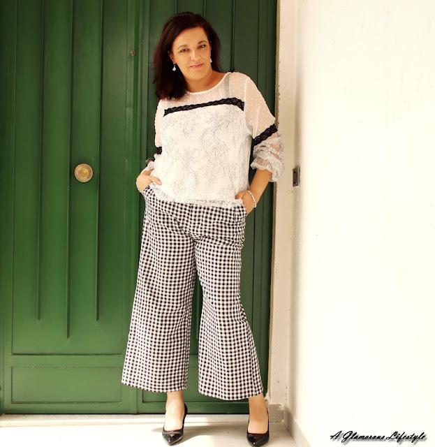 pantaloni a quadretti bianchi e neri abbinamenti