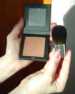 Borghese Eclissare Color Eclipse ColorRise Blush and Kabuki Brush.jpeg
