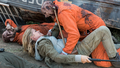 Fear The Walking Dead - 3×05 - Burning in Water Drowning in Flame