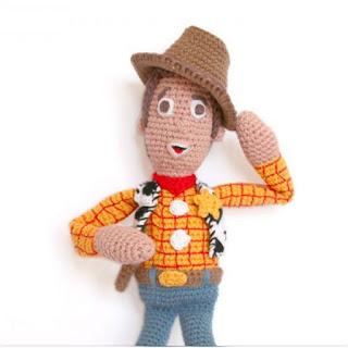patron amigurumi Woody de Toy Story lanas y ovillos