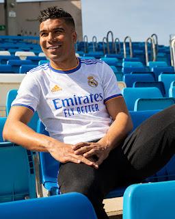 كاسيميرو بقميص ريال مدريد الجديد للموسم 2021/2022