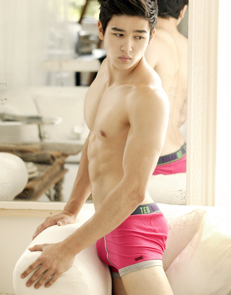 girls-hot-naked-korean-men-model