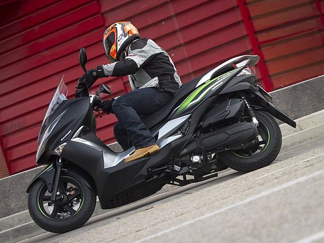 Kawasaki J125 Review Very Capable City Scooter Real Motoriders