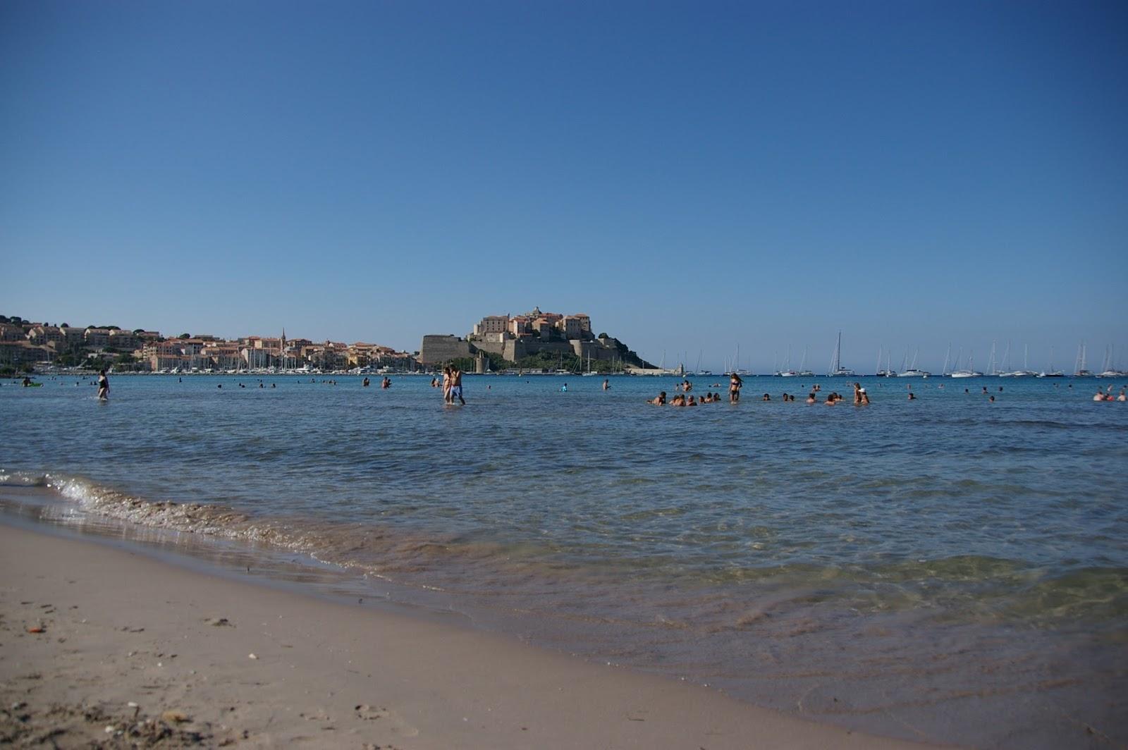 Korsyka plaża Calvi i cytadela