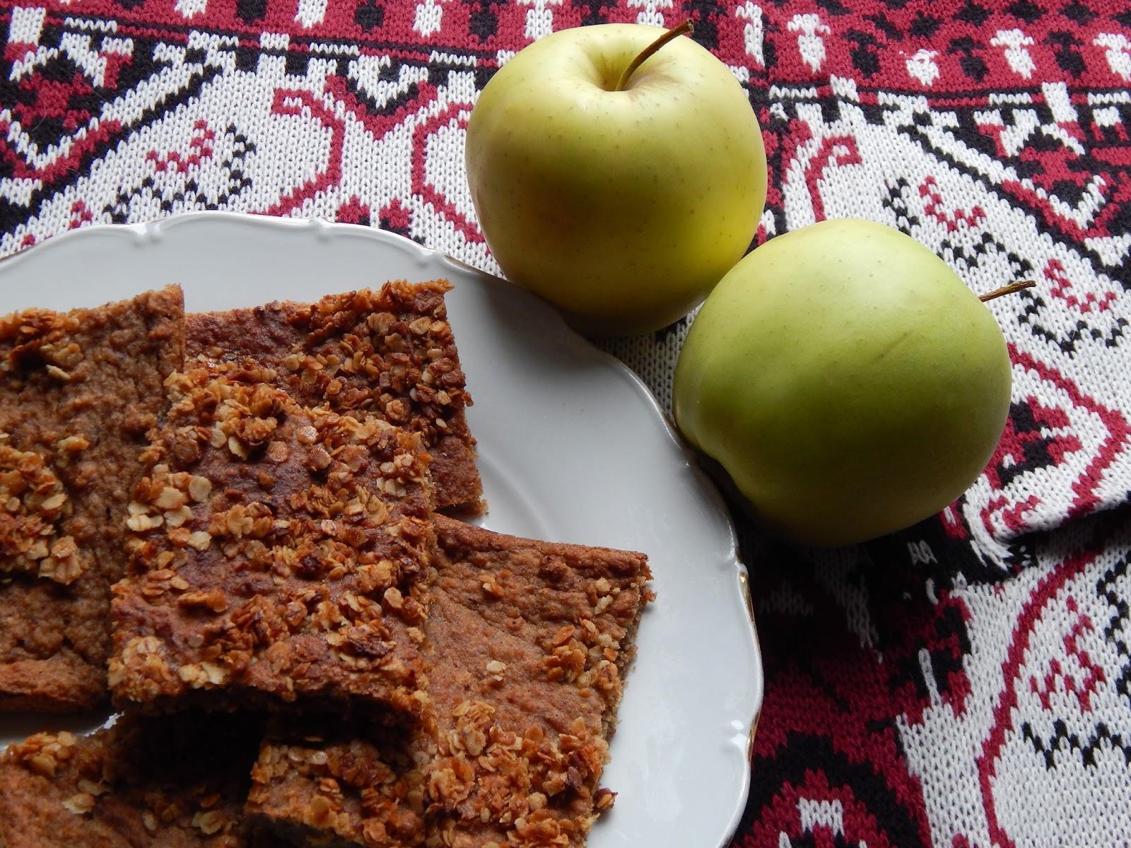 Perníková buchta s jablečným pyré