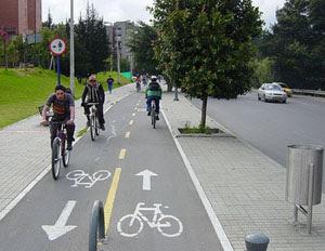 aturan undang undang bersepeda  dijalan raya