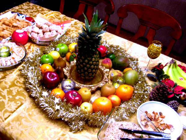 Go Feast Yourself New Year S Fruit Cults