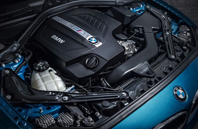 2016 BMW M4 Coupe DCT Engine