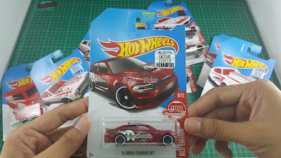 Hot Wheels Red Edition '15 Dodge Charger SRT