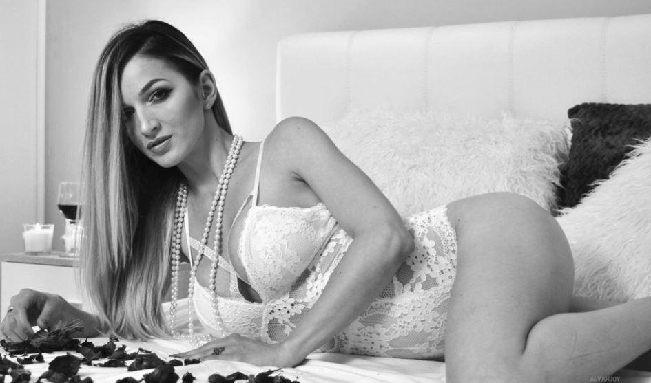 AlyahJoy Model GlamourCams