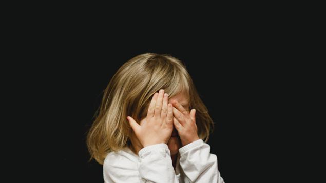 anak melihat orang tuanya berhubungan badan