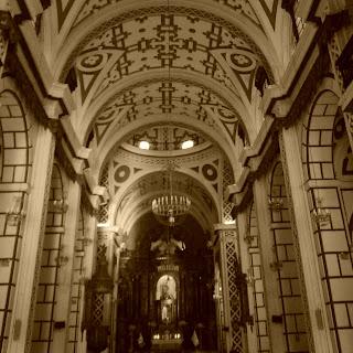 Interior da Iglesia de San Francisco, Lima