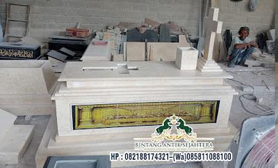 Makam Perjamuan Kudus Marmer