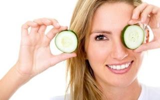 manfaat buah mentimun untuk perawatan wajah