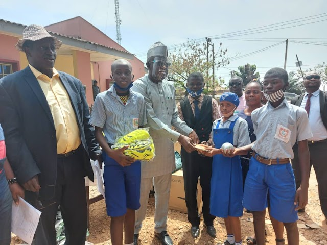 SDG presents instructional materials to Oyo public primary schools (See Here)