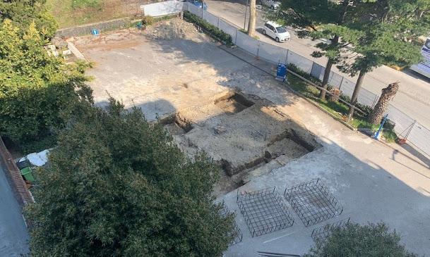 Avellino: durante gli scavi per una pompa di benzina emerge anfiteatro romano