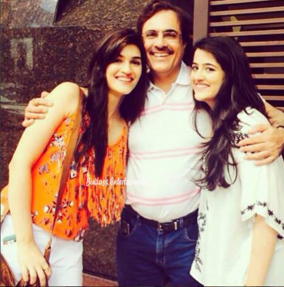Kriti Sanon Family 4