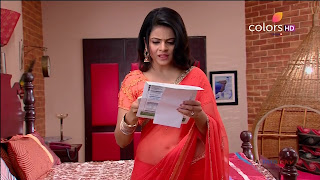 Jigyasa Singh from Thapki Pyaar Ki in Orange Transparent Saree (14).jpg