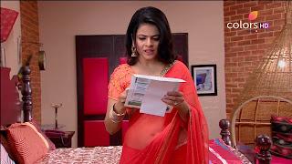 Jigyasa Singh from Thapki Pyaar Ki in Orange Transparent Saree (14).jpg