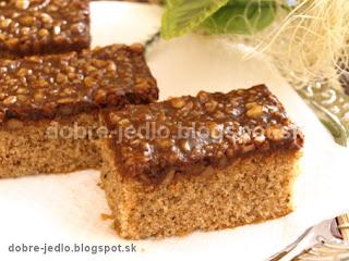 Jednoduchý orechový koláč - recepty