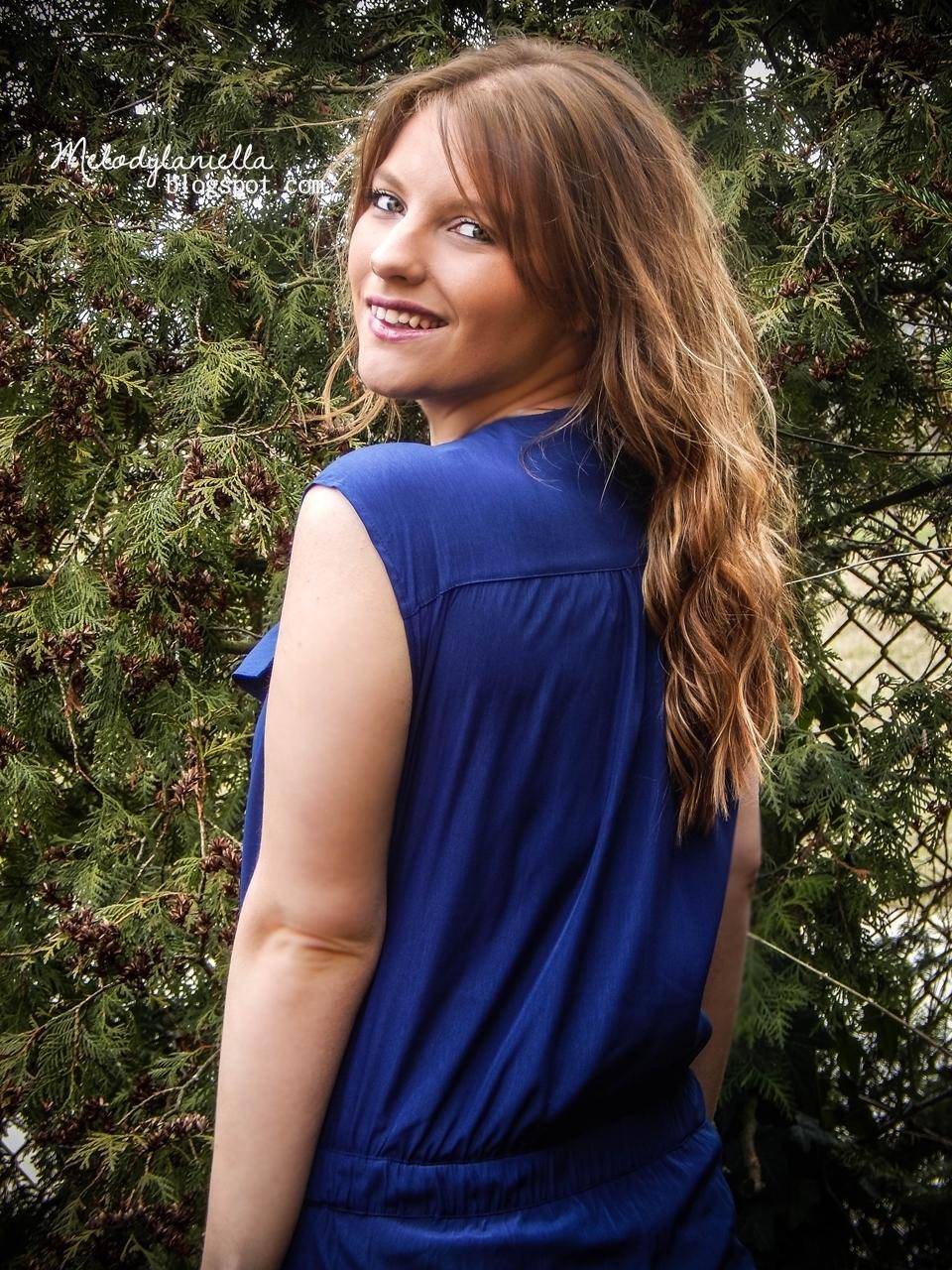 niebieski kombinezon bez rekawow z dlugimi spodniami bonprix z suwakiem style moda fashion look