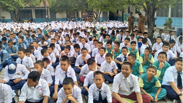 Kepala Sekolah sebagai Driver Gerakan Literasi Sekolah (GLS)