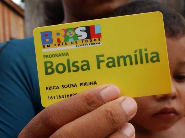 http://www.blogdofelipeandrade.com.br/2016/06/bolsa-familia-pagou-r-2168-milhoes-em.html