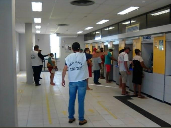 Vigilância Sanitária de Caraúbas na fiscalização dos bancos neste primeiro dia do Decreto de Flexibilização